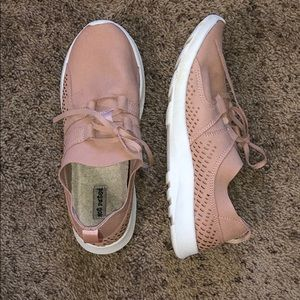 Not Rated Blush Casual Sneakers / Tennis Shoes